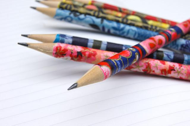 1899-decorated-pencils-עפרונות-מקושטים