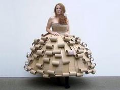 2441-cardboard-lady-נסיכת-קרטון