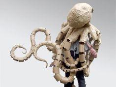 2442-cardboard-octopus-תמנון-קרטון-תחפושת