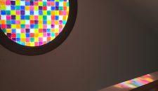 חלון צבעוני DIY