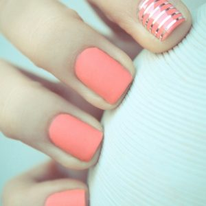 534-pink-stripe-nails-ציפורני-פסים-ורוד