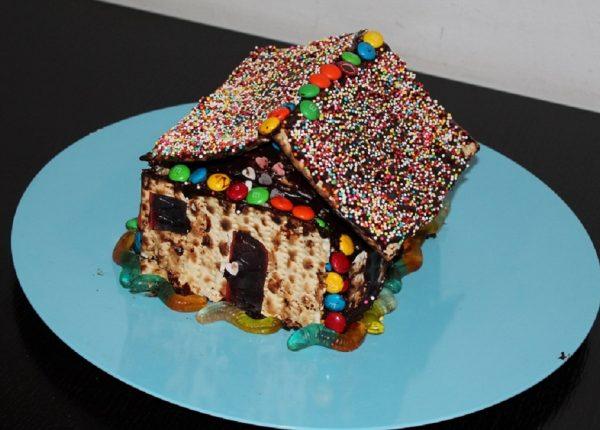 עוגת מצות בצורת בית!
