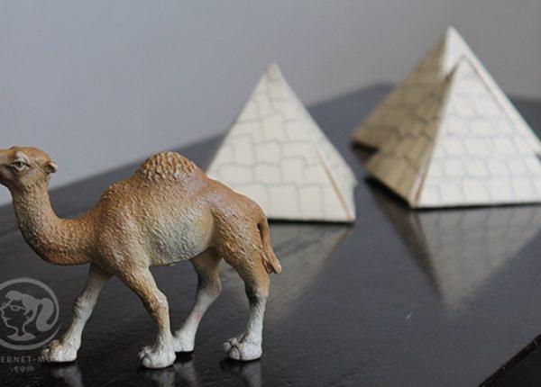 פירמידות לשולחן החג