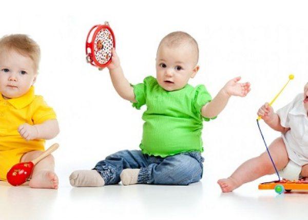 15 רעיונות משחק לפעוטות ותינוקות